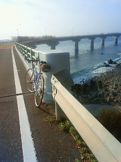 海に飛び出した橋